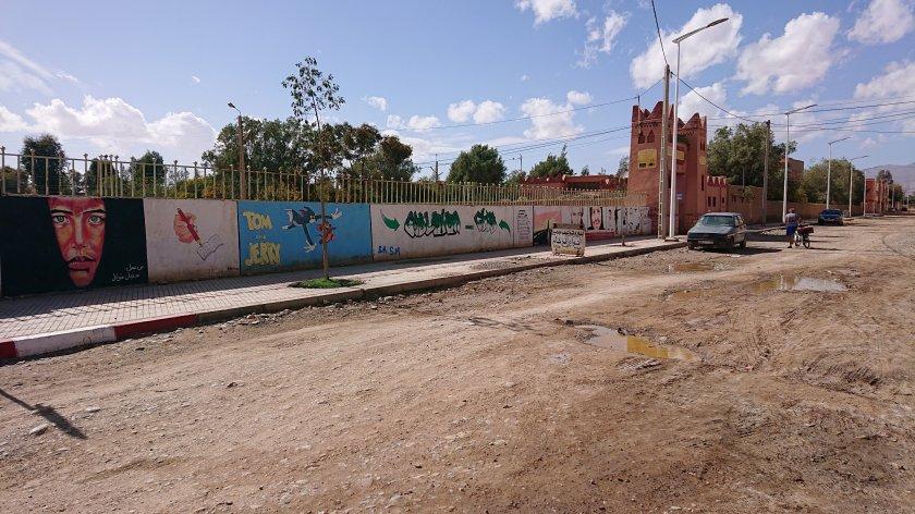 Campingen ligger bakom murar